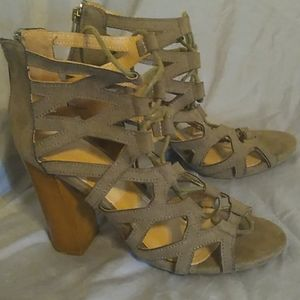 NWOT Bamboo strappy ankle heel 6.5/7 fit